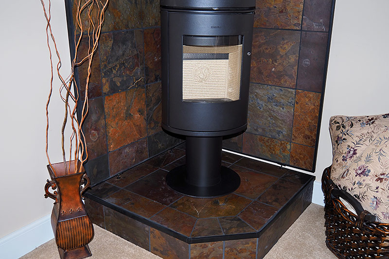 Wall Pad and Pedestal for Stove